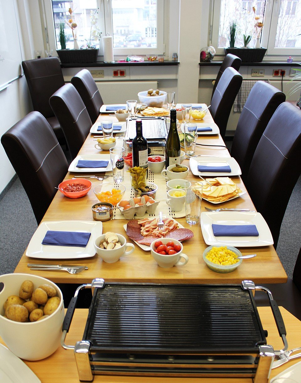 das war spitze unser raclette essen zum jahresbeginn 2014. Black Bedroom Furniture Sets. Home Design Ideas